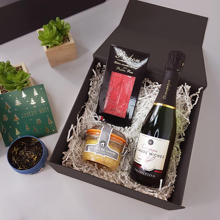 coffret cadeau evenement en entreprise fete de noel foie gras champagne chocolat carte de voeux the